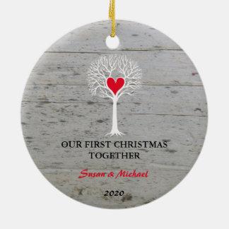 Ornement Rond En Céramique Notre premier de Noël bois de flottage d'arbre