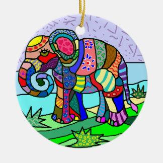 Ornement Rond En Céramique Peinture folcloristic d'éléphant de couleurs