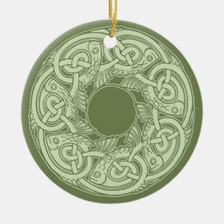 Ornement Rond En Céramique Poissons de Knotwork de Celtic en vert