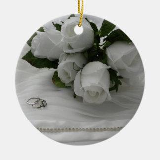 Ornement Rond En Céramique Roses blancs