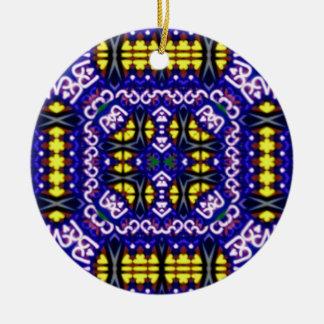 Ornement Rond En Céramique Son motif symétrique jaune pourpre compliqué