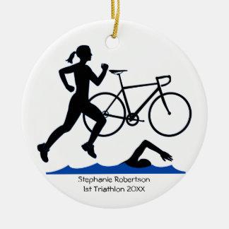 Ornement Rond En Céramique Souvenir femelle de triathlon dans le bleu