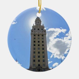 Ornement Rond En Céramique Tour cubaine de liberté à Miami