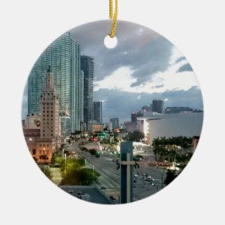 Ornement Rond En Céramique Tour cubaine de liberté à Miami 2