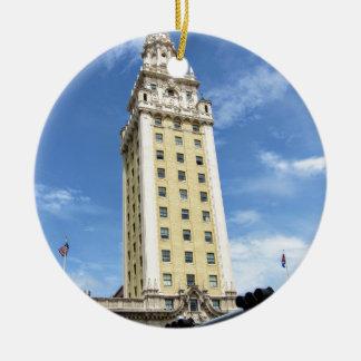 Ornement Rond En Céramique Tour cubaine de liberté à Miami 6