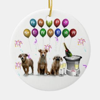 Ornement Rond En Céramique Trois chiens mignons souhaitant la bonne année