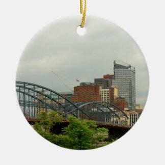 Ornement Rond En Céramique Ville - PA de Pittsburg - la ville grande de