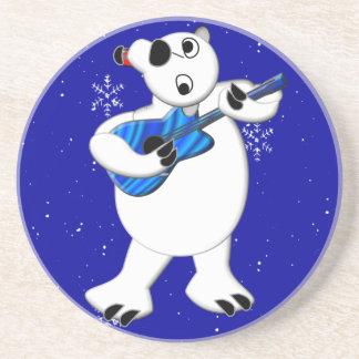 Ours blanc de Rockin avec des dessous de verre de