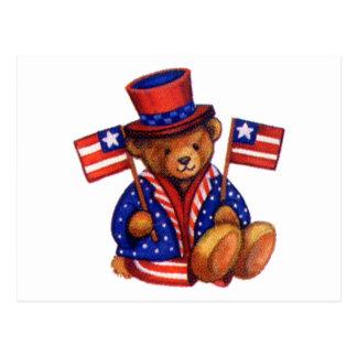 Ours bourré avec le casquette supérieur d'A et le Carte Postale