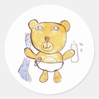 ours de bébé avec des autocollants de bouteille à