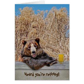 Ours de retraite avec de la bière carte