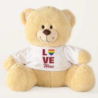Ours En Peluche L'amour gagne le coeur de drapeau d'arc-en-ciel de