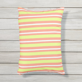 OUTDOOR-INDOOR_Pillows_Fun-Stripe-Peach-Lime Buitenkussen