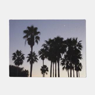 Paillasson Crépuscule avec la scène tropicale de palmiers