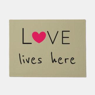 Paillasson L'amour vit ici le plus mignon