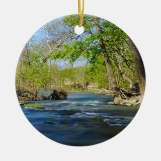 Paisible à la rivière ornement rond en céramique