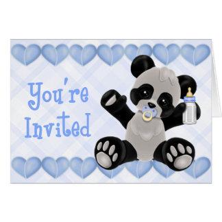 Panda avec l'invitation bleue de baby shower de carte