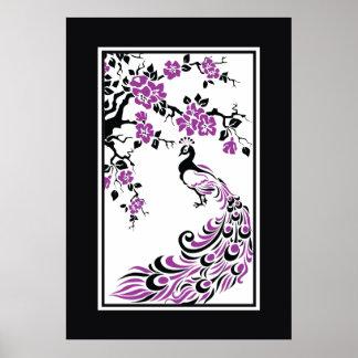 Paon et fleurs de cerisier noirs, pourpres, blancs