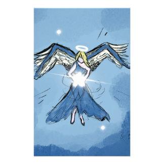 Papeterie Ange faisant des étoiles