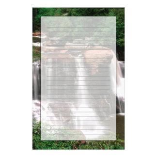 Papeterie Automnes de Blackwater, la Virginie Occidentale,
