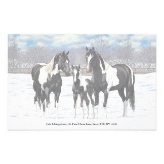 Papeterie Chevaux noirs de peinture dans la neige