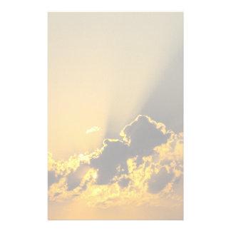 Papeterie Coucher du soleil d'or illuminant un nuage