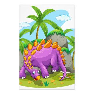 Papeterie Dinosaure pourpre se tenant au sol