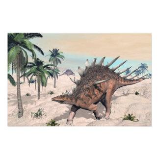 Papeterie Dinosaures de Kentrosaurus dans le désert - 3D