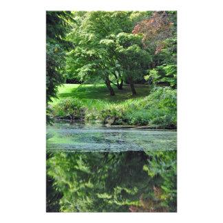 Papeterie Étang réfléchi vert