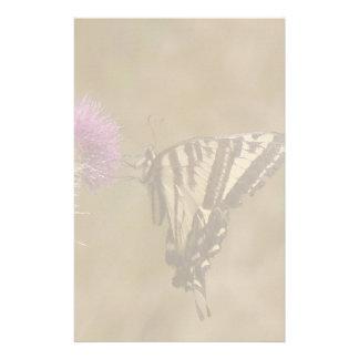 Papeterie Faune florale de fleurs de papillon de machaon