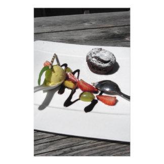 Papeterie Gâteau de chocolat fondu délicieux avec le fruit