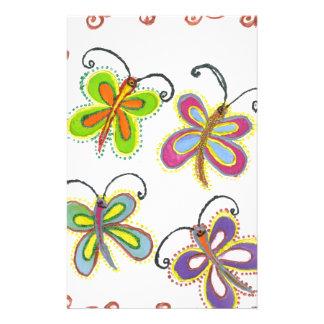 Papeterie Le papillon Girly créent votre propre beau coloré