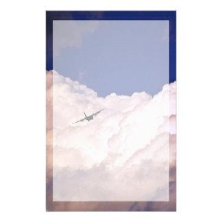 Papeterie Les militaires transportent l'avion par Shirley