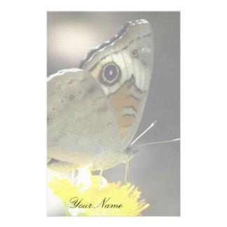 Papeterie Papillon de maronnier américain sur la fleur jaune