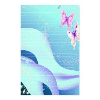 Papeterie Papillon rose dans les vagues de stationnaire bleu