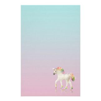 Papeterie Polygone coloré de licorne d'arc-en-ciel -