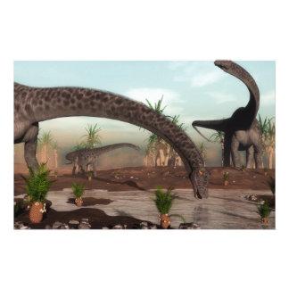 Papeterie Troupeau de dinosaures de Diplodocus allant boire