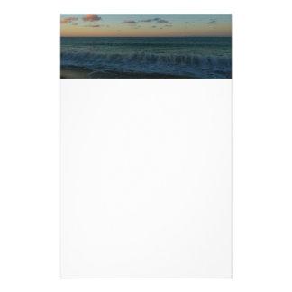 Papeterie Vagues se brisant au paysage de plage de coucher