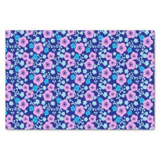 Papier Mousseline Prune japonaise riche de motif floral bleu et rose