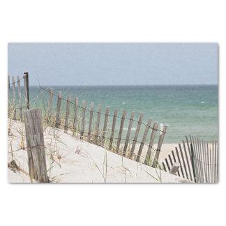 Papier Mousseline Vue d'océan par la barrière de plage