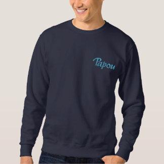 Papou a brodé le sweatshirt