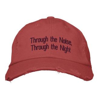 Par le bruit, par le casquette de nuit (rouge)