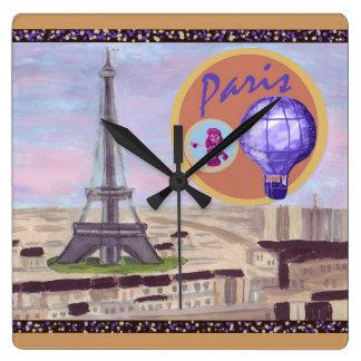 Paris France avec l'horloge murale de Tour Eiffel Horloge Carrée