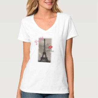"""""""Paris T-shirt de NanoV-Cou de Hanes avec d'amour"""""""