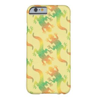 Partie de Gecko d'arc-en-ciel Coque Barely There iPhone 6