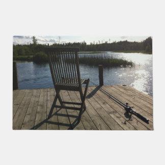 pêche bienvenue de cottage de lac de tapis de