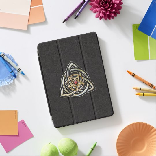 Pentagramme de Triquetra sur le noir Protection iPad Pro