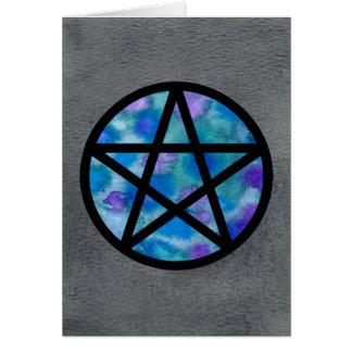 Pentagramme multicolore de bleus sur la carte