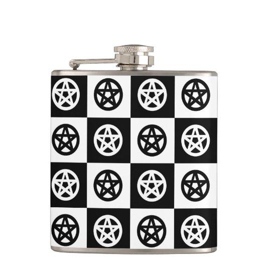 Pentagrammes païens noirs et blancs flasques