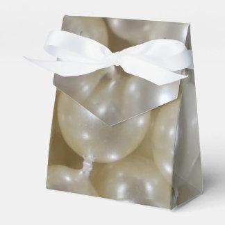 Perle imprimée épousant des ballotins faits sur boite de faveur